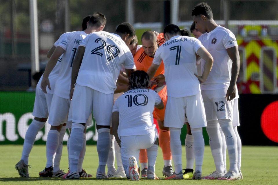 Inter Miami CF starting lineup huddle up prior