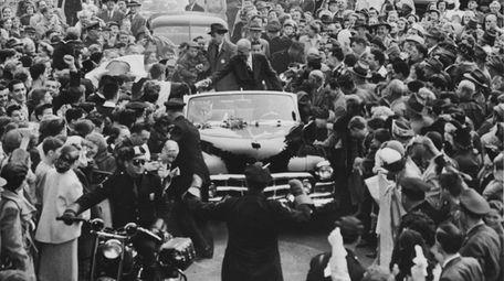 Republican Presidential candidate Dwight D. Eisenhower visits Hempstead,