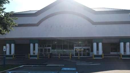 The closed Fairway Market store in Plainview seen