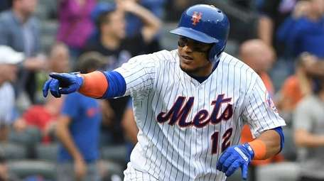 The Mets brought back Juan Lagares on Wednesday,