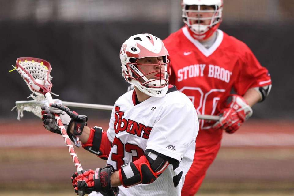 St. John's Kevin Cernuto looks to pass against