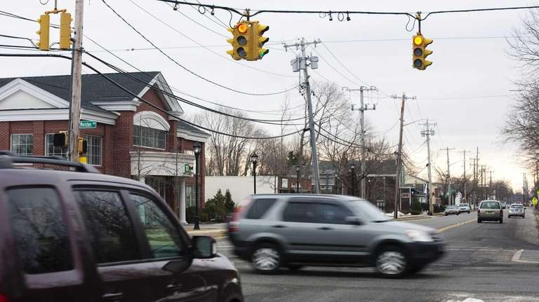 The intersection of Moriches Road and Lake Avenue