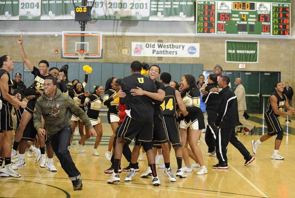 Uniondale's players and fans react as time runs