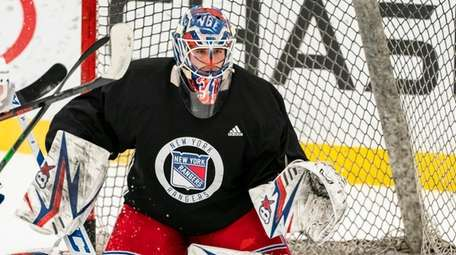 Igor Shesterkin gets in position as the Rangers