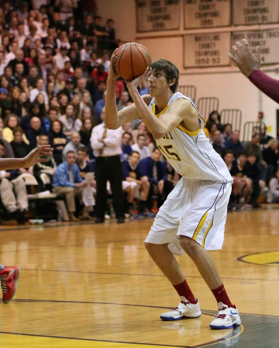 Northport's Luke Petrasek sinks a shot from the