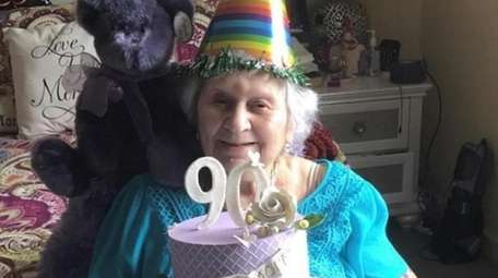 Gita Shorr celebrates her 90th birthday while recovering