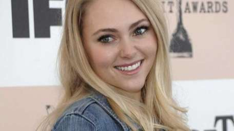 AnnaSophia Robb will host a shopping event Saturday,