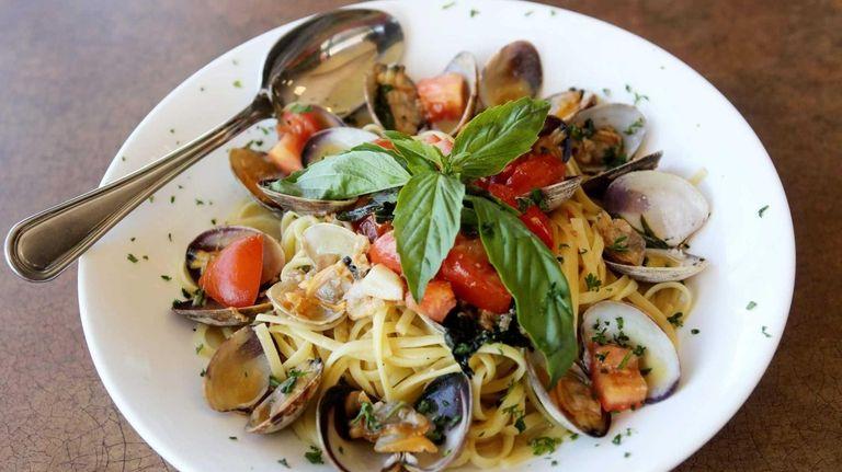 Linguine with white clam sauce at SaVino's Pizzeria