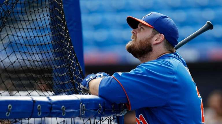 Lucas Duda of the Mets looks on during
