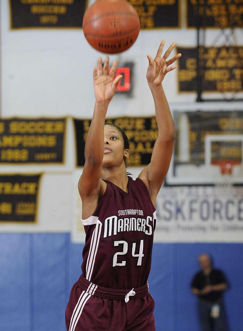 Southampton's Paris Hodges shoots a free throw against