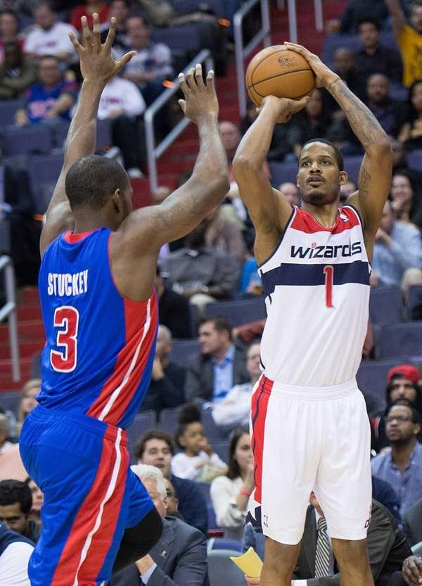 Washington Wizards small forward Trevor Ariza shoots over