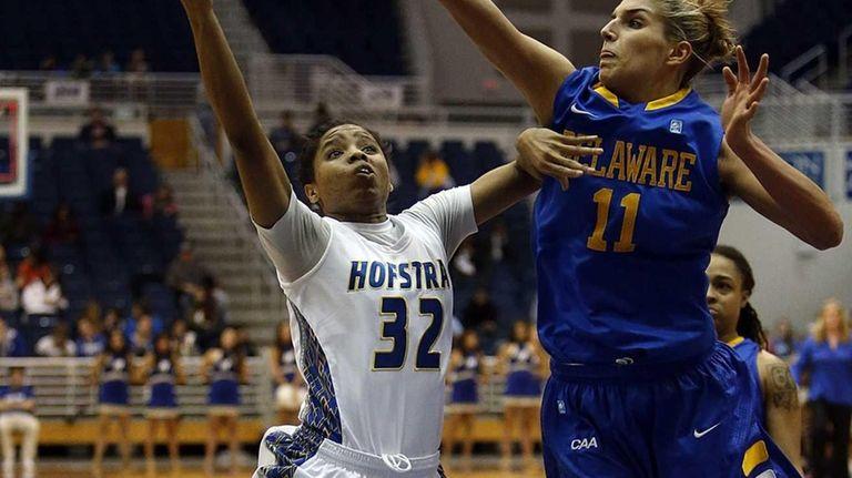 Delaware Fightin' Blue Hens guard/forward Elena Delle Donne
