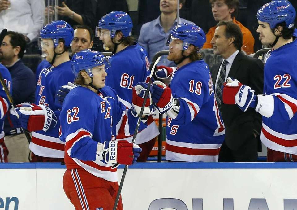 Carl Hagelin of the Rangers celebrates his first-period