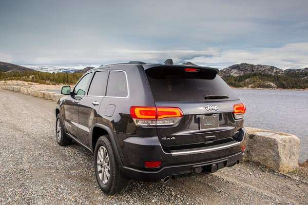 Off-road, the 2014 Jeep Grand Cherokee remains one