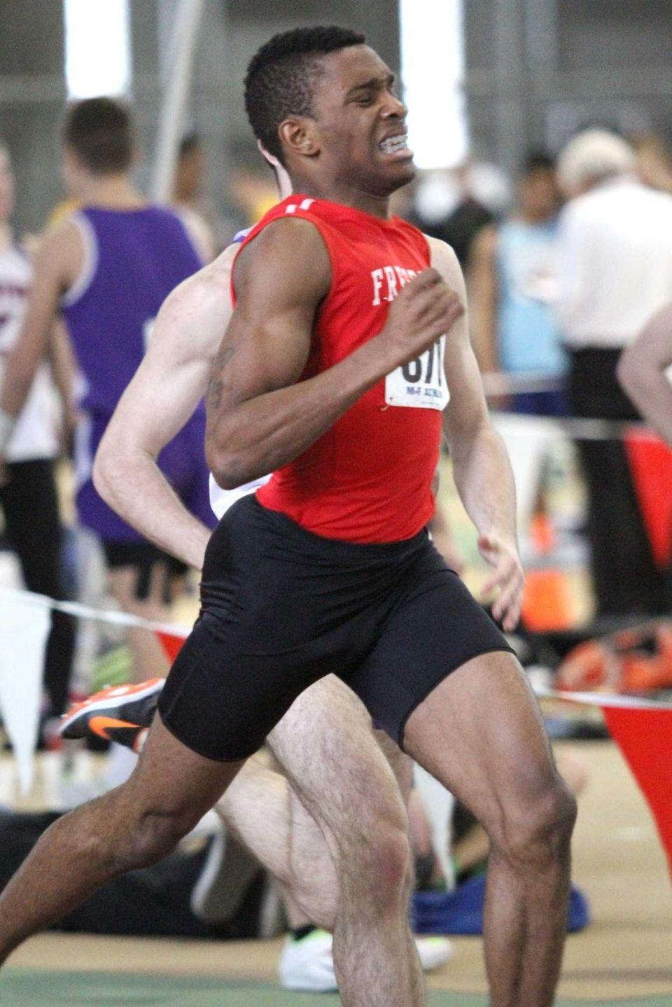 Freeport's Jonathan Greenwood pushes to the finish line