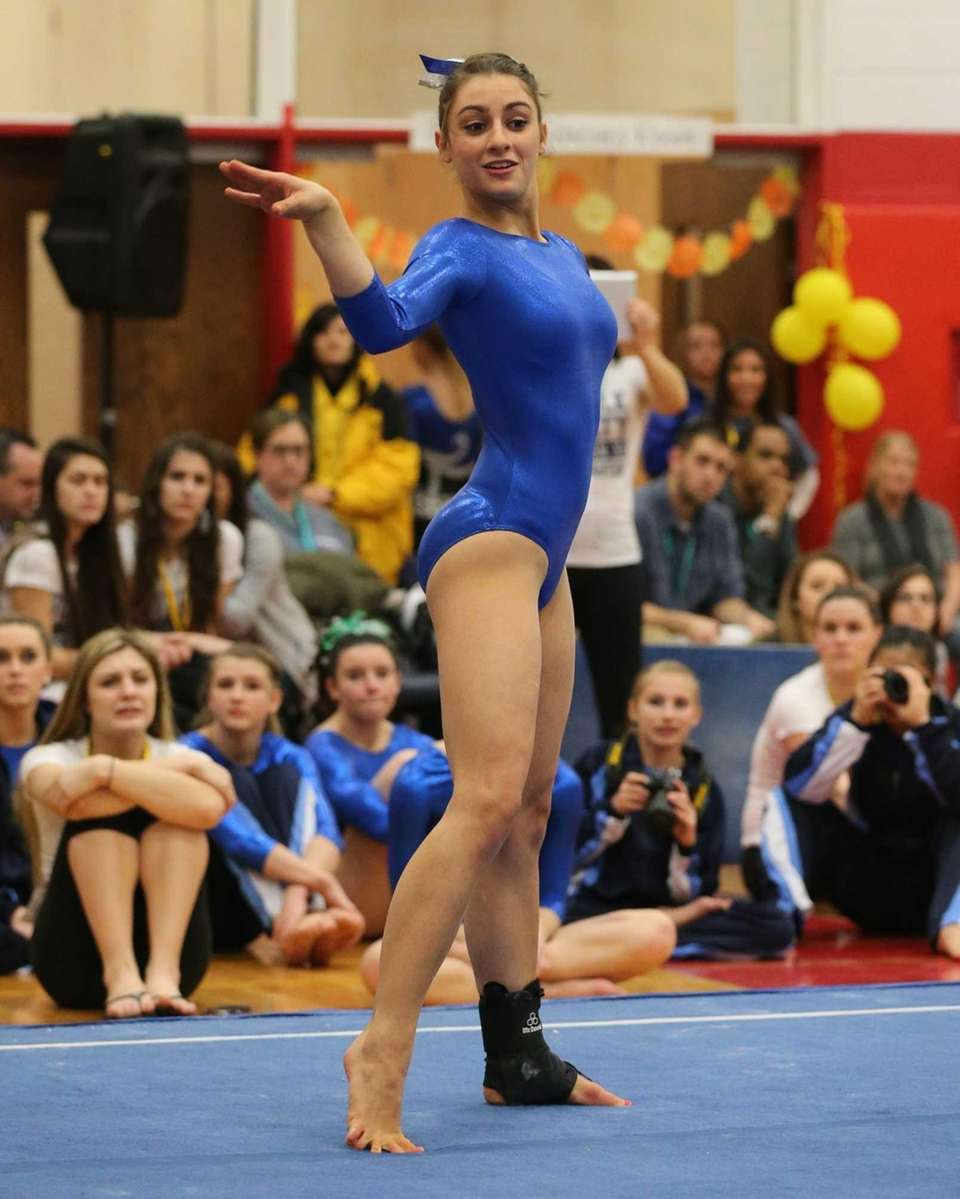 St. James NY: Ward Melville's Alison LaRocca performs