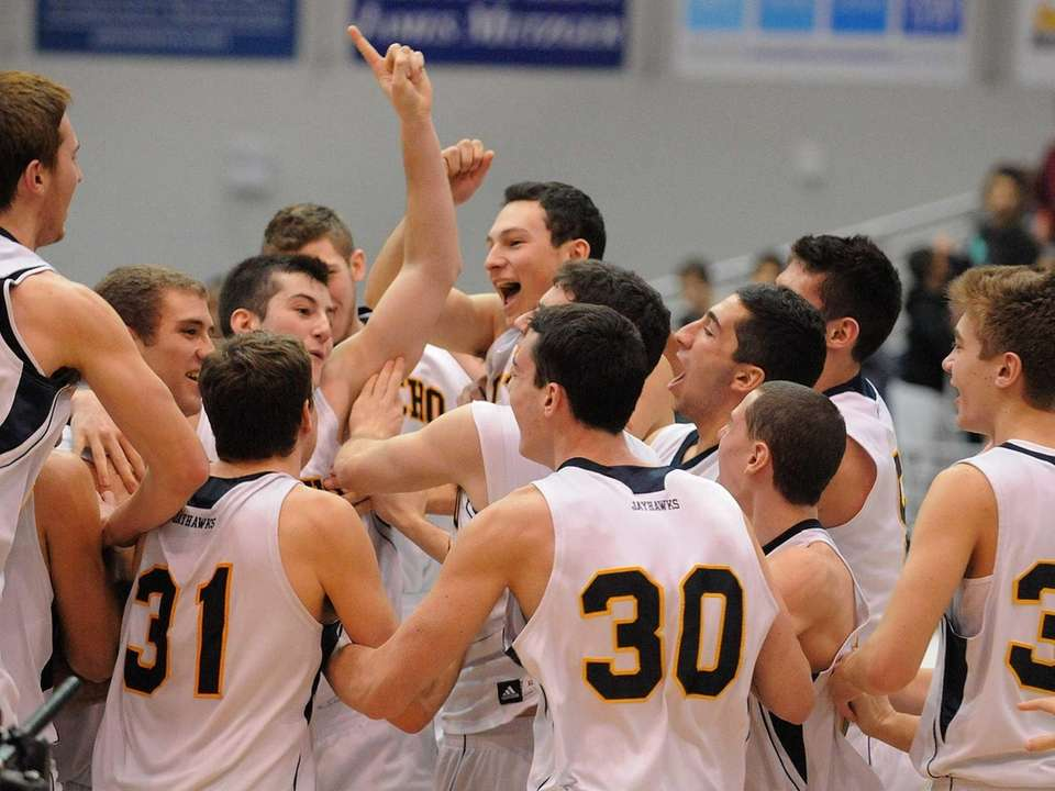 Jericho celebrates after their 62-45 win over Roslyn.