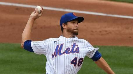 The Mets kept starting pitchers Jacob deGrom and