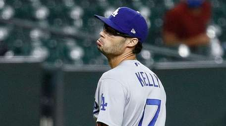 Joe Kelly #17 of the Los Angeles Dodgers