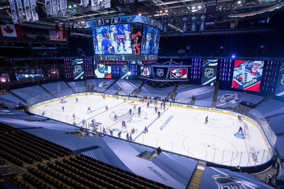 New York Islanders and New York Rangers players