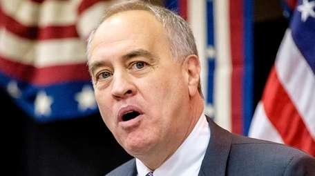 ComptrollerThomas DiNapoli in New Hyde Park on Jan.