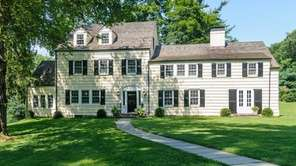 The 307-year-old Mill Neck Colonial on Beaver Brook