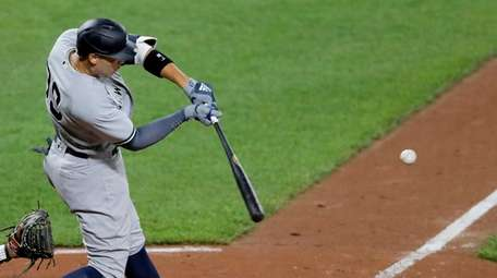 Yankees' Aaron Judge connects for a three-run home