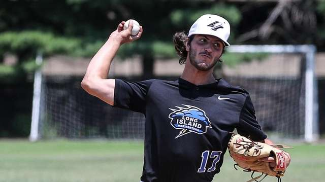 Nic Luc of the Nor'easters pitches during a
