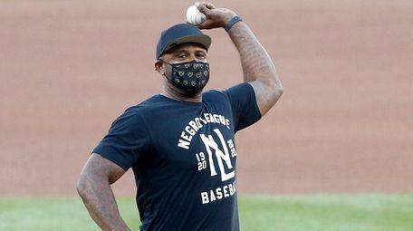 Former New York Yankee CC Sabathia throws out