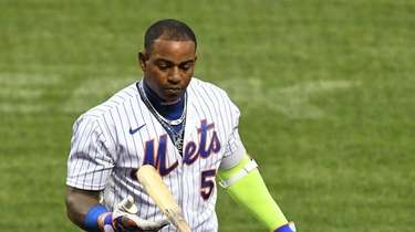 Mets designated hitter Yoenis Cespedes returns to the