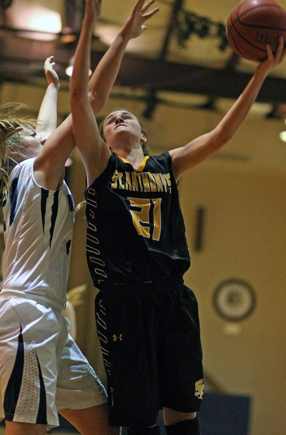 St. Anthony's Johanna Impellizeri grabs the ball. (March