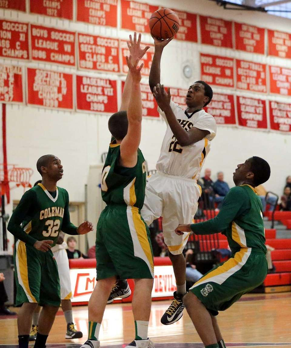 Bridgehampton's Jason Hopson puts up the one-handed jumper