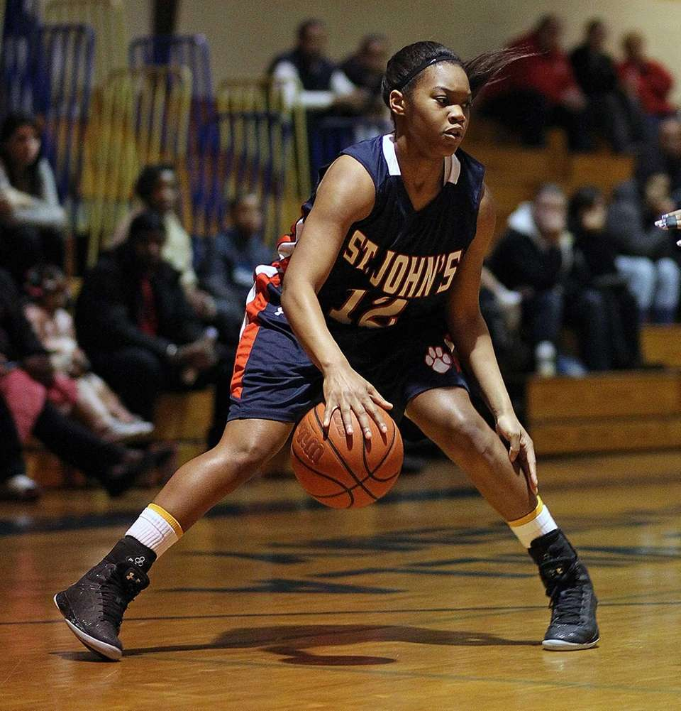 St. John the Baptist's Lauren Williams sets up