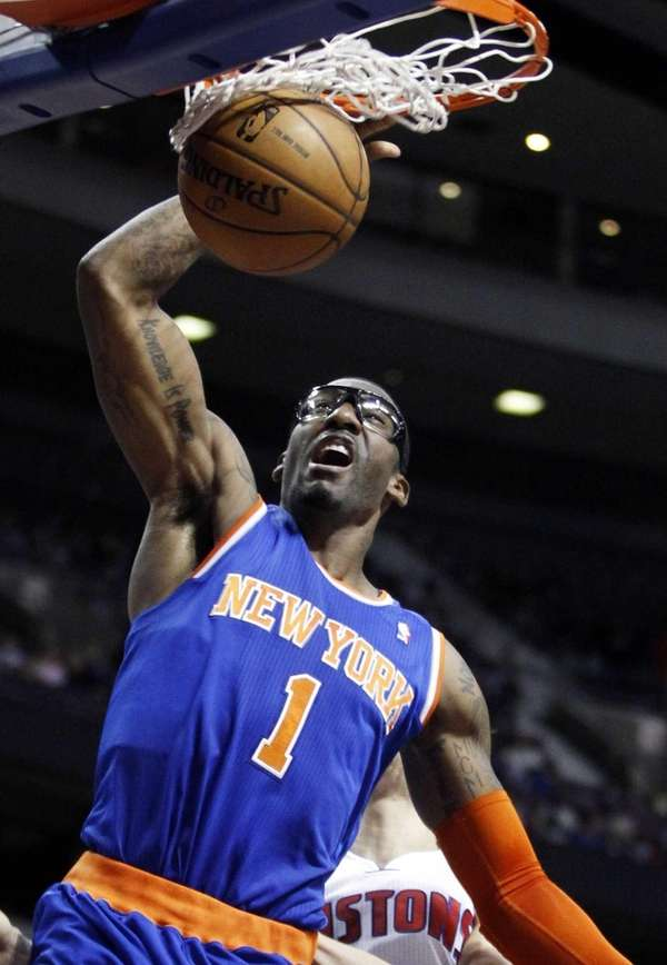 Knicks forward Amar'e Stoudemire dunks against the Detroit