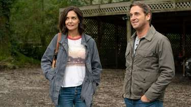 Katie Holmes as Miranda Wells and Josh Lucas