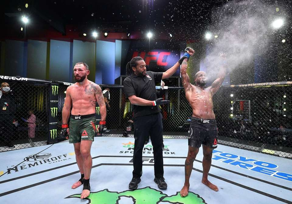 Bobby Green celebrates after his victory over Lando