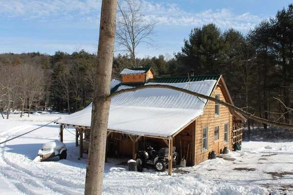 Platte Creek Maple Farm in Saugerties offers tours,