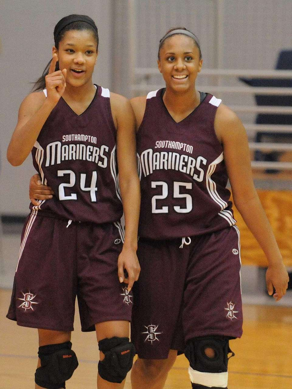 Southampton senior Paris Hodges, left, and senior Kesi