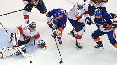 Panthers goalie Sergei Bobrovsky makes a save on