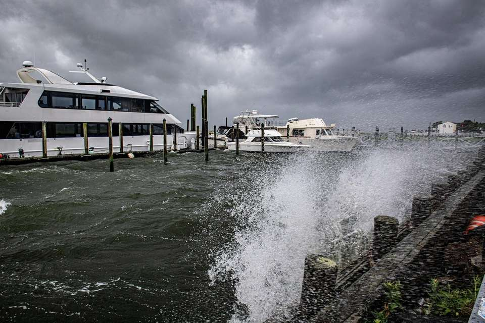 Tropical Storm Isaias bringing heavy winds and rough