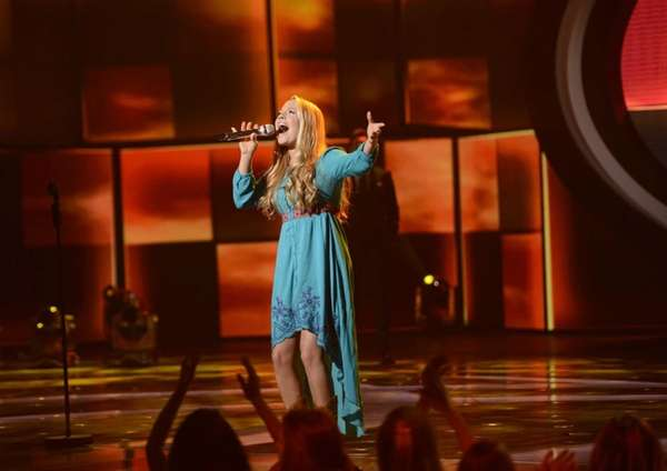 """""""American Idol"""": Janelle Arthur is the first girl"""