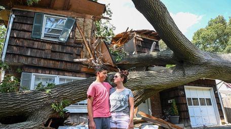 Joey Vasile, 14, and his sister Elizabeth Vasile,