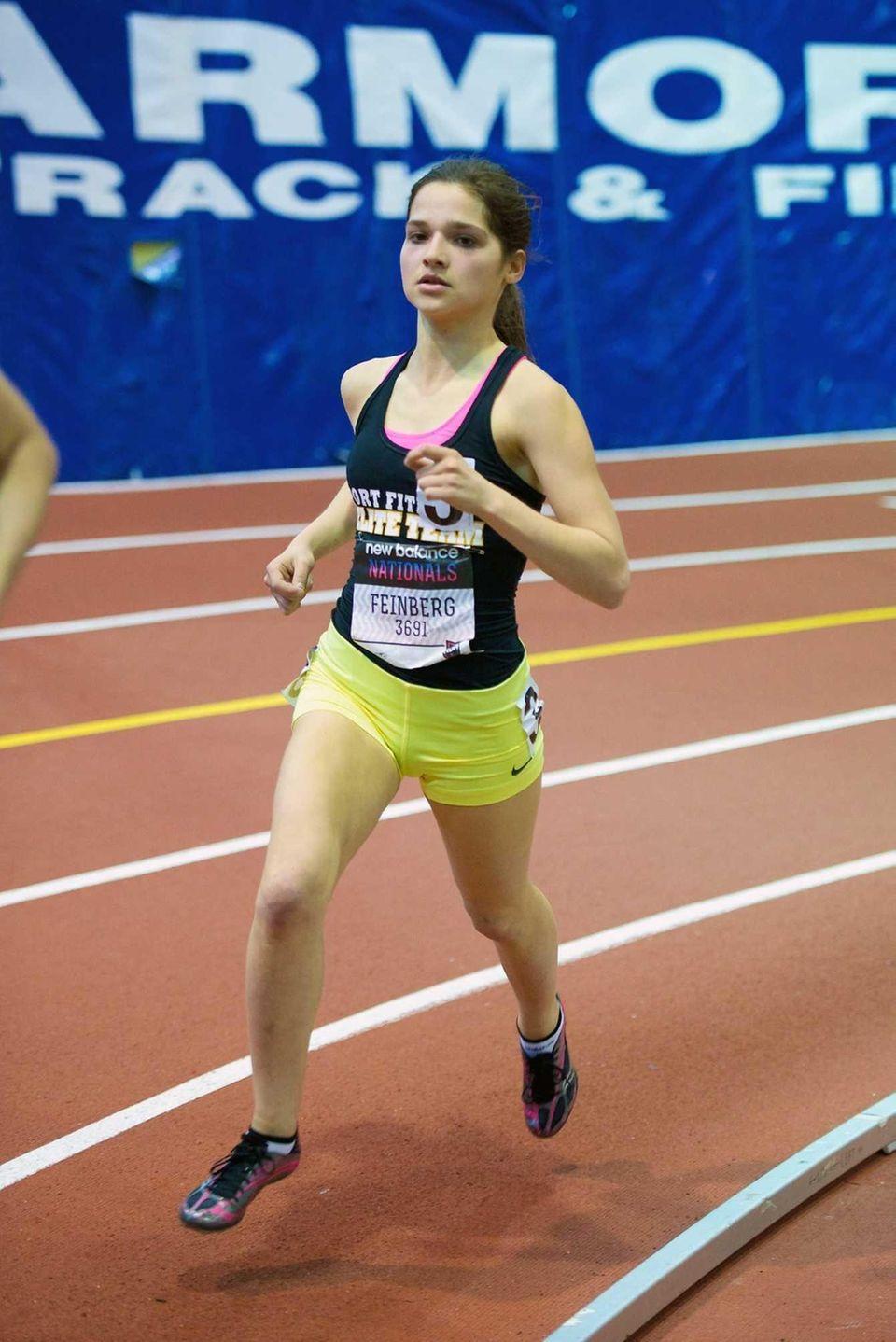 Joelle Feinberg of Port Washington runs in the