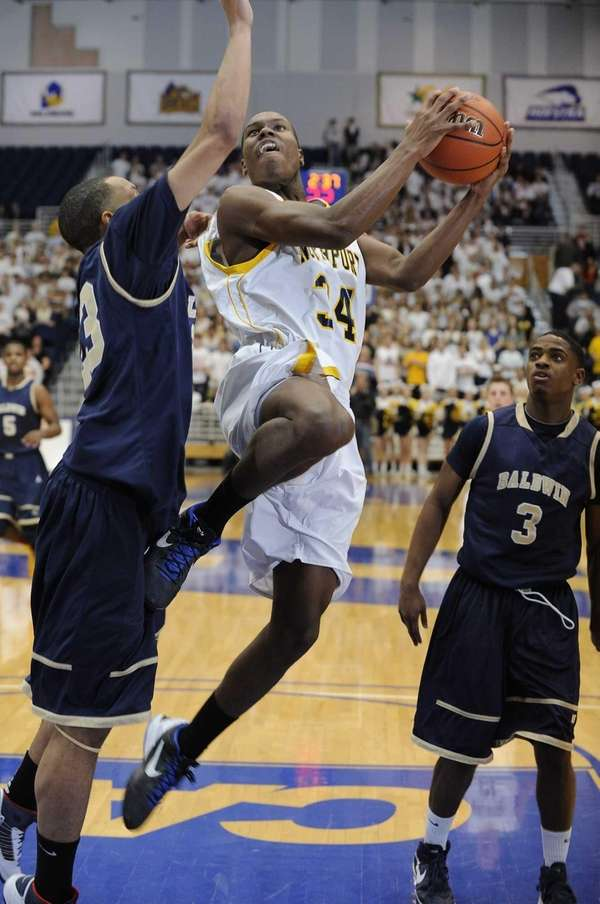 Northport's Michael Milligan Jr. sinks a layup as