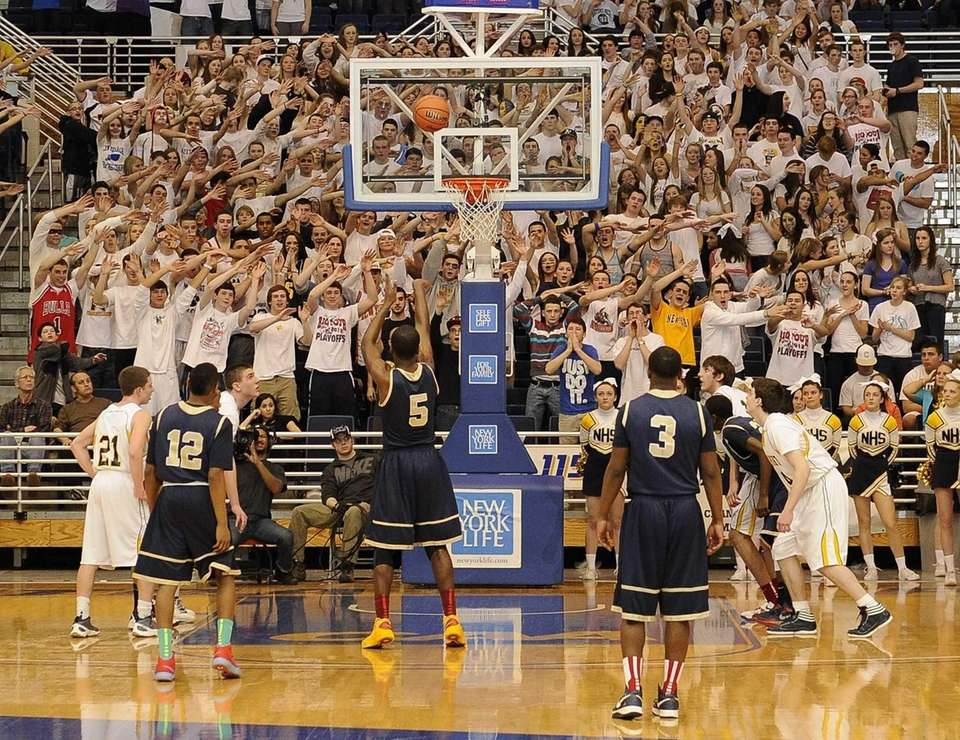 Northport fans try to distract Baldwin's Elijah McMillan
