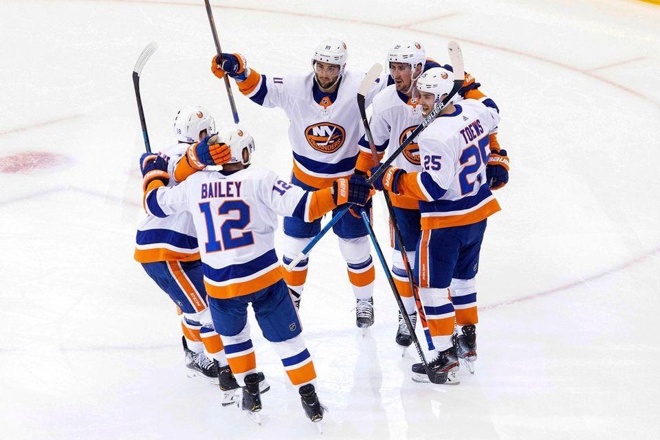 New York Islanders center Brock Nelson (29), second