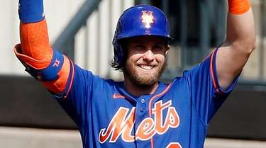 Jeff McNeil of the Mets reacts after a