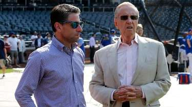 Mets COO Jeff Wilpon, left, and majority owner