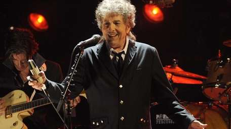 Bob Dylan performs during the 17th Critics' Choice