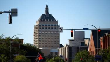 Kodak Tower in Rochester symbolizes a business giant
